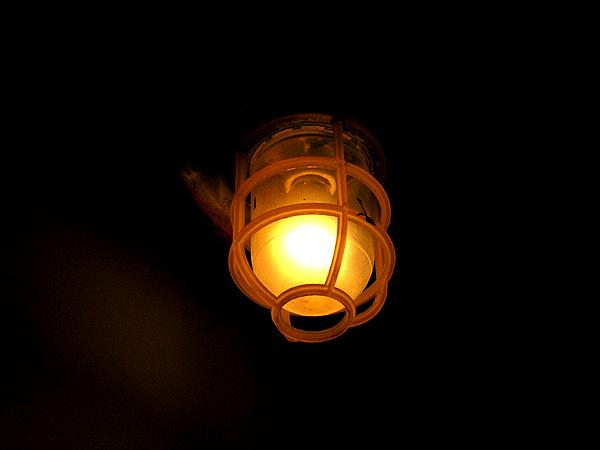 甲板の灯り