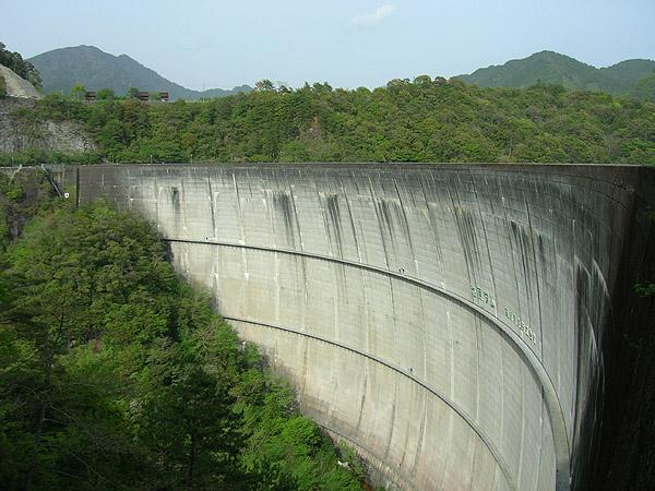 池原ダムサイド
